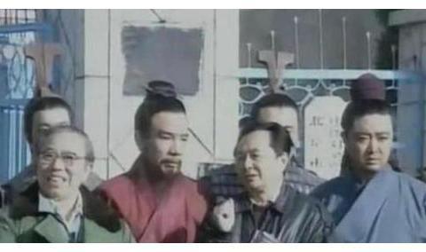 三国:演员提片酬狮子大开口,网友拒绝奶油小生唐国强扮演诸葛亮