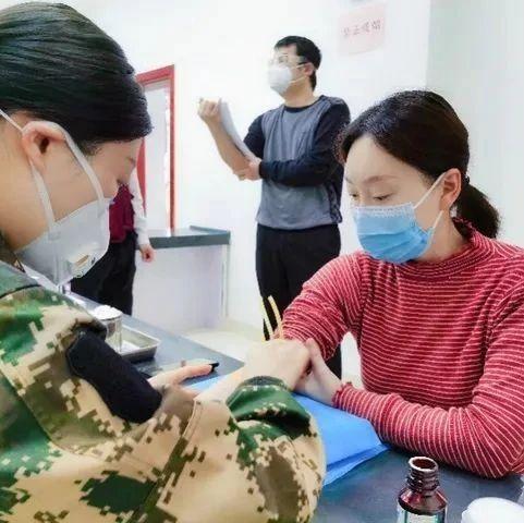 首批新冠疫苗志愿者结束隔离观察!CT结果出来了→