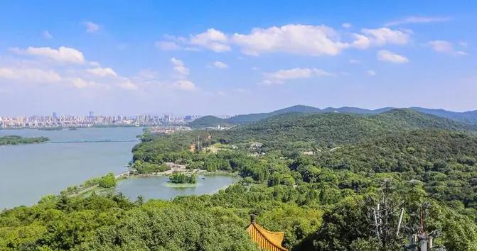 江苏最适合定居的城市,不是南京和苏州,而是这座新一线小城