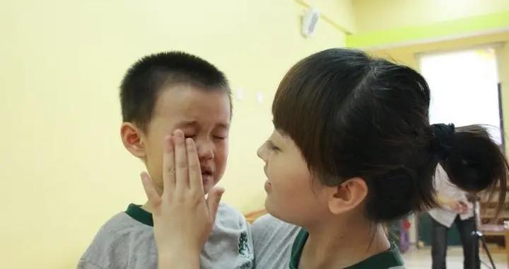 """爸爸姓""""戴"""",给儿子起的名老师上课不敢叫,宝妈:我都只喊小名"""