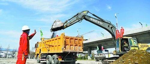 天山南北路更畅!新疆交通基础设施建设如火如荼