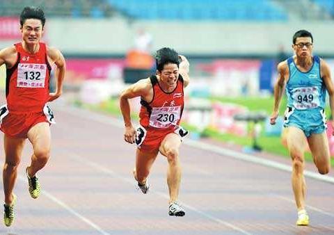 青涩一战!苏炳添受世界关注始于日本大赛夺冠 百米击败世界冠军