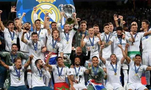 足球史上超豪华的6支球队:AC米兰高居第二,皇马巴塞罗那上榜