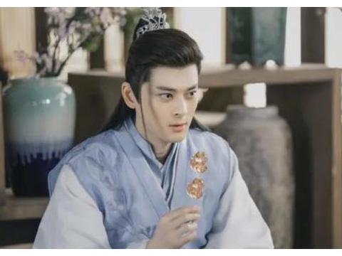 《枕上书》西海二皇子,是安以轩前男友?43岁模特身材小鲜肉的脸