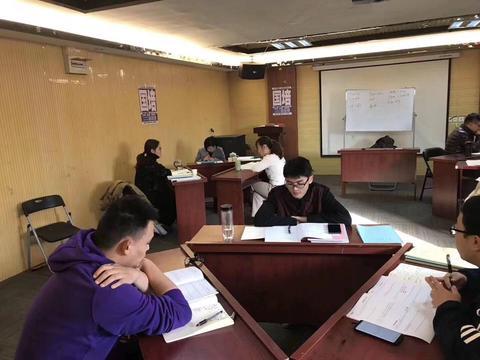 """2020安徽省考面试:让基层干部也能""""换换肩""""-国培"""