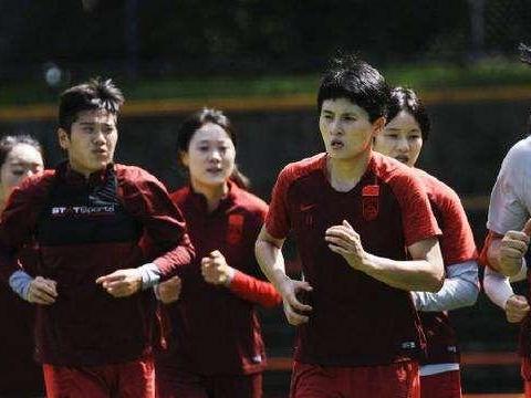 当下的中国女足,也许比男足更需要走出去