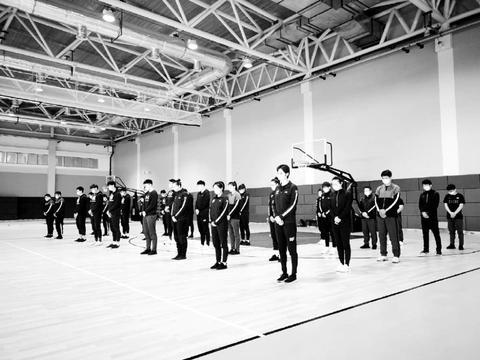 6支国家队向英雄致敬!是中国篮球的希望,奥运延期不影响训练