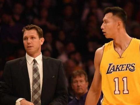 现役中国男篮哪些球员能打NBA?林书豪给出三个名字,周琦没资格