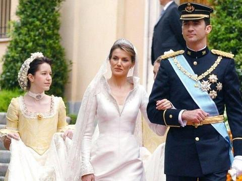 莱蒂西亚王后与费利佩六世的世纪婚礼大回顾,一组老照片见证玄