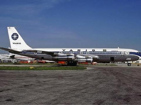 消失35年的飞机降落机场,网友:时空隧道真的存在,科学家回应