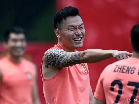 亚足联盘点亚冠中国球员TOP5,有人参加12次,恒大球迷不满无郜林