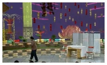"""1999年春晚那一跪:赵丽蓉表演失误,完全无痕迹,""""骗""""了观众11"""