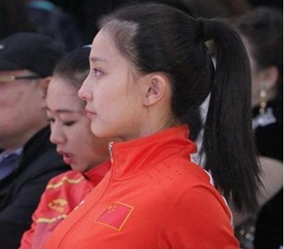 体操女神因挺胸照爆红, 19岁选择低调退役,不进娱乐圈而当教练员