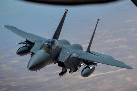 美空军疫情暴增,数百名飞行员确诊,参谋长下令重置作战任务