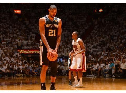 NBA新世纪总决赛单场30+排行:库里7次,杜兰特9次,唯独他20次