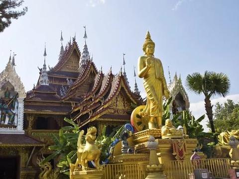 掌管着西双版纳的大小寺庙,佛寺中等级最高的寺院,版纳总佛寺