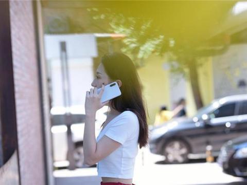 探讨女生都会喜欢的智能手机设计:这四款手机从设计到配色都符合