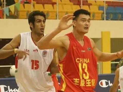 伊朗前锋评亚洲杯史上最强阵容,中国只有姚明上榜,你怎么看?