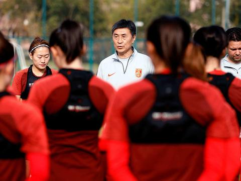 贾秀全再次拒绝征召女足球星王霜,为什么他与李铁用人如此相似?