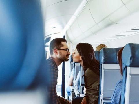 英国调查:二成受访者乘飞机行不轨事,空乘也参与