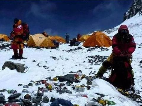珠峰上的三百多位遗体,大部分有名有姓,为什么没人认领?