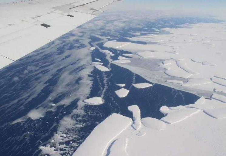 """南极冰下800米!科学家发现""""巨型""""生物,或改变对地外生命看法"""