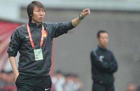 亚洲国足上演归化潮!对手又增加8名归化球员名单 李铁沉着应对