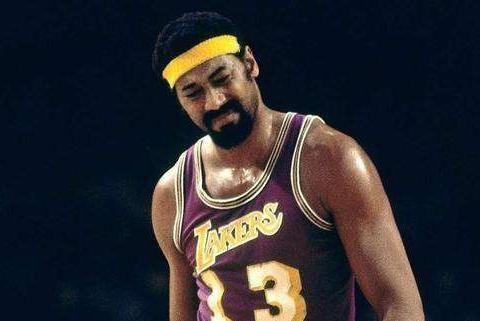 篮球皇帝!35岁张伯伦112场送985次盖帽