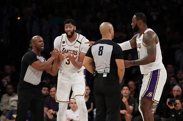 RQ米帅新闻报 》NBA 湖人球员结束14天隔离期都没出现症状!
