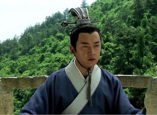 8个版本的胡八一,靳东正陈坤帅,脱颖而出的潘粤明是什么呢?