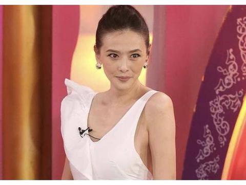 43岁台湾著名女星开直播自曝患肠癌暴瘦20斤 手术后全身插满管子