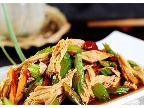美食推荐:土豆炒五花肉、凉拌竹笋、腐竹拌芹菜、番茄里脊肉
