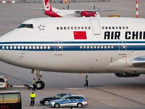 祖国的飞机回来了!那些滞留海外的留学生,感受了祖国母亲的关怀