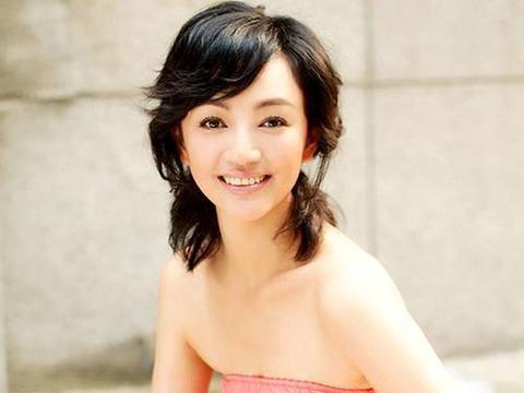 27岁一夜成名,37岁嫁华谊副总,今成半个娱乐圈的掌门人!