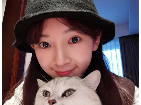陈瑶素颜也很美,与化妆差距不大,不愧是网友喜欢的女神