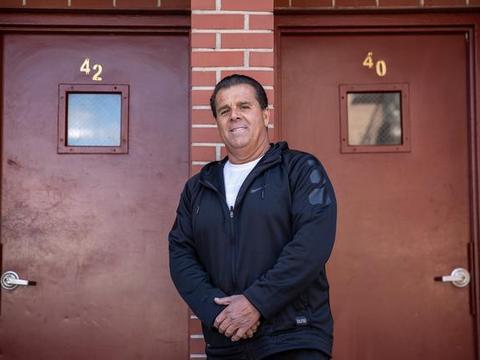 纽约房东取消了数百名租户高达数十万美金房租,说更关心人们健康