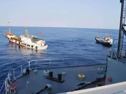 日本驱逐舰被渔船撞伤,却意外暴露真正实力,中国直到055才用上