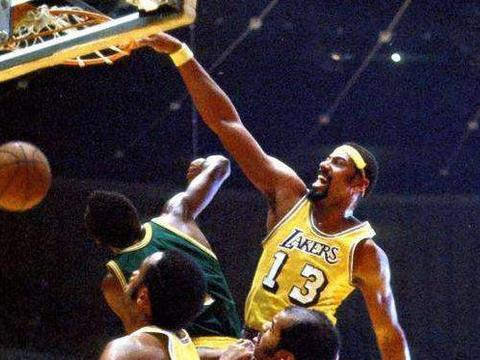 篮球皇帝!35岁张伯伦112场送985次盖帽,运动能力超越了一个时代