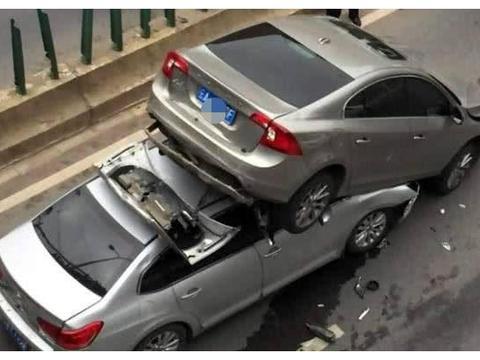 开车时刹车失灵,撞墙好还是撞树好?过来人:听我的没错