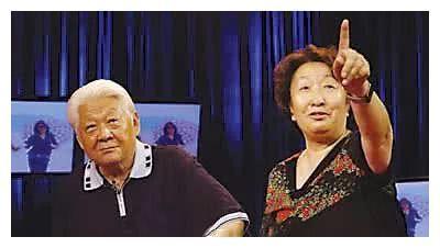 结婚34年后老公瘫痪,62岁守寡,二婚后包养姐夫19年?