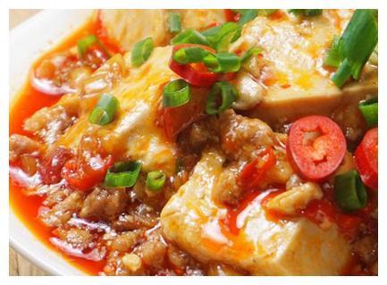 美食推荐:猪肉炒秋葵、腐竹拌黄瓜、五花肉焖干豆角、鱼香肉豆腐