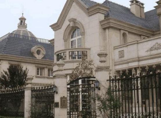 那英在上海的豪宅:别墅外观设计很怪异