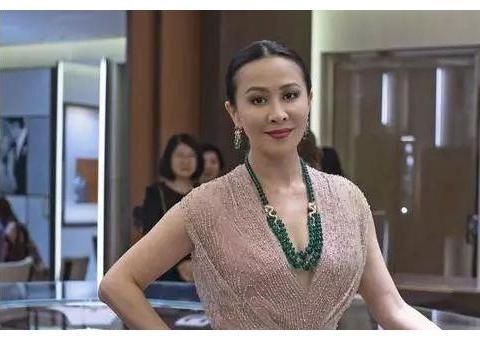 55岁刘嘉玲无儿无女!死后一百多家公司以及上海豪宅,该由谁继承