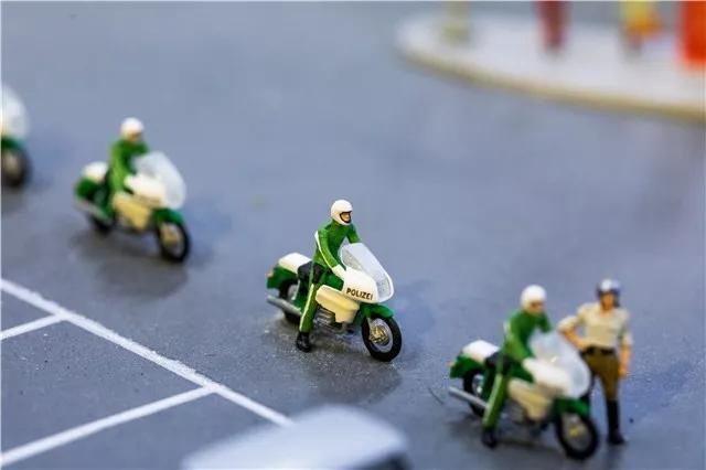 涉案金额100余万元!滨州警方抓获诈骗团伙,以抵押车套现5辆奔驰