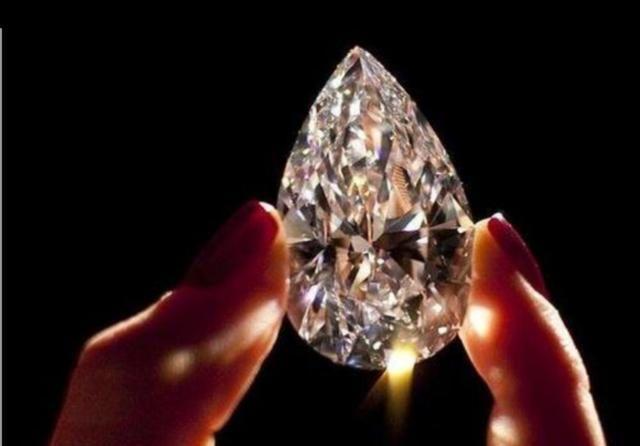"""""""黄金""""与""""钻石""""谁最保值?行家说出了实情"""