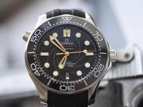 爆款来袭 欧米茄海马300米007限量版腕表