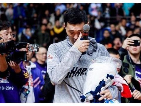 都给姚明传过球,张庆鹏年满39仍在战斗,刘炜不惑之年成教练组长