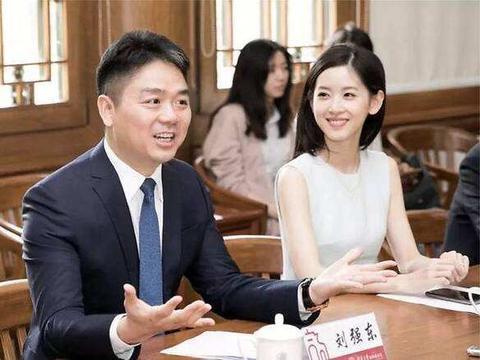 卸任后刘强东开启新事业,携娇妻加入口罩大军,新开医疗器械公司