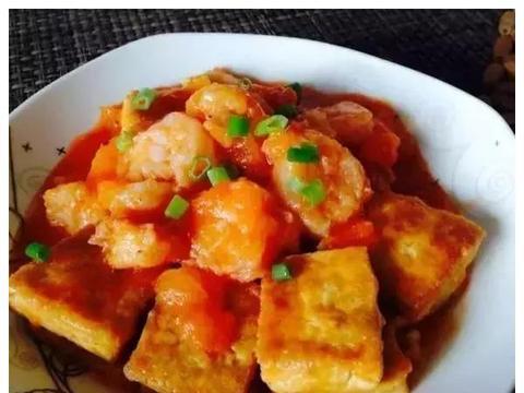 美食推荐:鲜虾蕃茄豆腐,青椒炒鸭肉,木耳炒肉丝,蒜苗炒肉