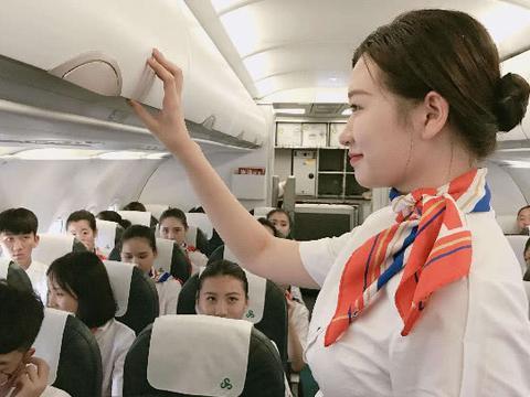 为什么空姐们不愿吃免费的飞机餐呢?听到内部人员的解释,明白了